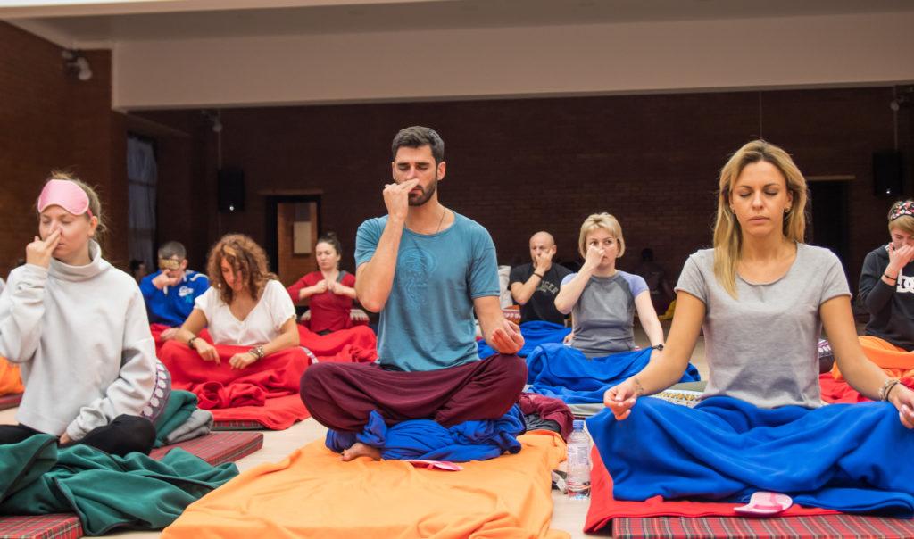 Дыхание в йоге: виды и названия